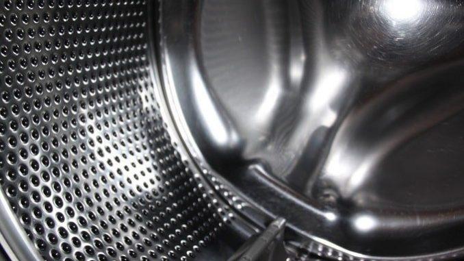 Durch Das Wäsche Waschen Und Dadurch Entstehende Feuchtigkeit Ist Eine Waschmaschine Grundsätzlich Sehr Anfällig Für