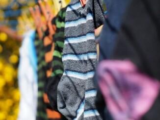 Socken gehören zu den meistgebrauchten Stücken im Kleiderschrank. Beim Waschen gilt es einiges zu beachten. - Foto: pixabay.com/Chrispynutt/CCO
