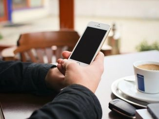 Viele Dinge, die früher offline erledigt wurden, werden heute über das Internet getätigt. - Foto: pixabay.com/dangquocbuu/CCO