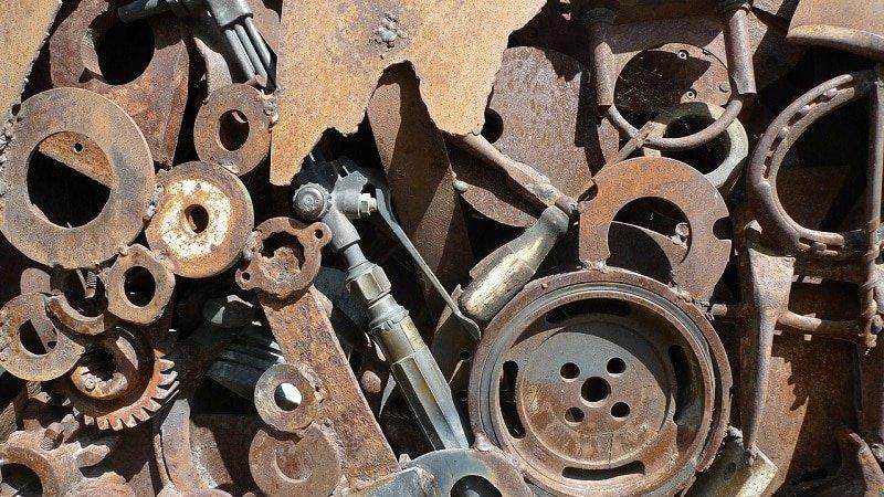 Schrottentsorgung ist zugegeben aufwändig, vor allem, wenn an alten Resten ganz verschiedene Metalle herumliegen. - Foto: pixabay.com/dparks/CCO