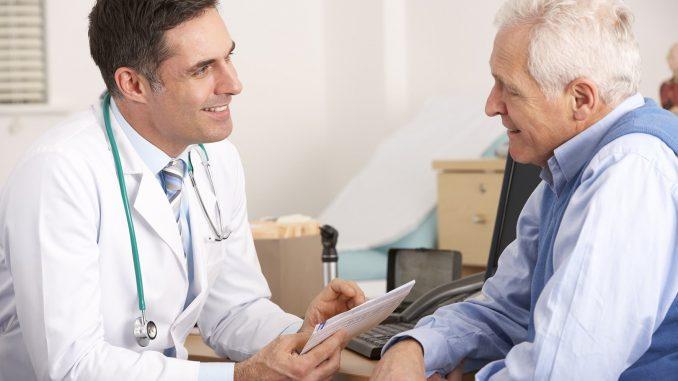Auch Diabetiker, die keine Beschwerden haben, sollten sich regelmäßig beim Arzt untersuchen lassen – um Folgeerkrankungen zu vermeiden. - Foto: djd/Wörwag Pharma/colourbox.de