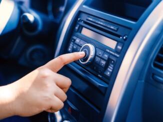 Wichtigstes Utensil: das Autoradio. - Foto: dmd/thx