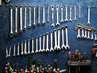 Hämmern und Schrauben gehörten zu den Tätigkeiten, die ein Heimwerker am häufigsten ausübt. - Foto: pixabay.com/radekkulupa/CCO