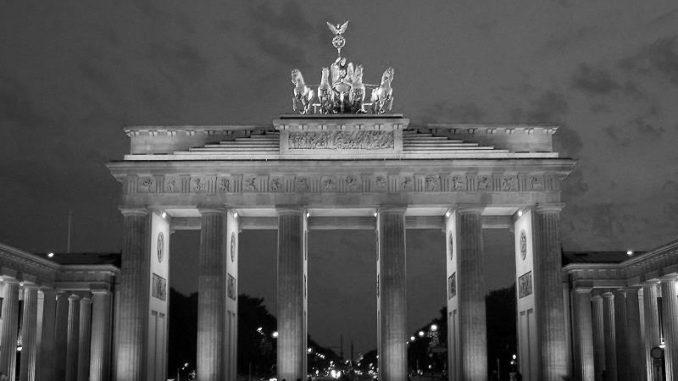 Das Urlaubsangebot in Deutschland lässt keine Wünsche offen - besonders beliebt ist beispielsweise eine Kurzreise in die pulsierende Hauptstadt. - Foto: djd/www.kurzurlaub.de