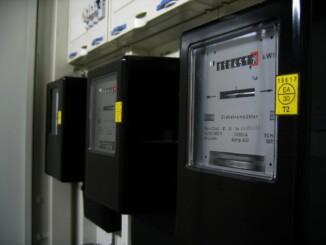 Um Kontrolle in Echtzeit über seinen eigenen Stromverbrauch zu bekommen, bietet sich ein intelligenter Stromzähler besonders gut an.