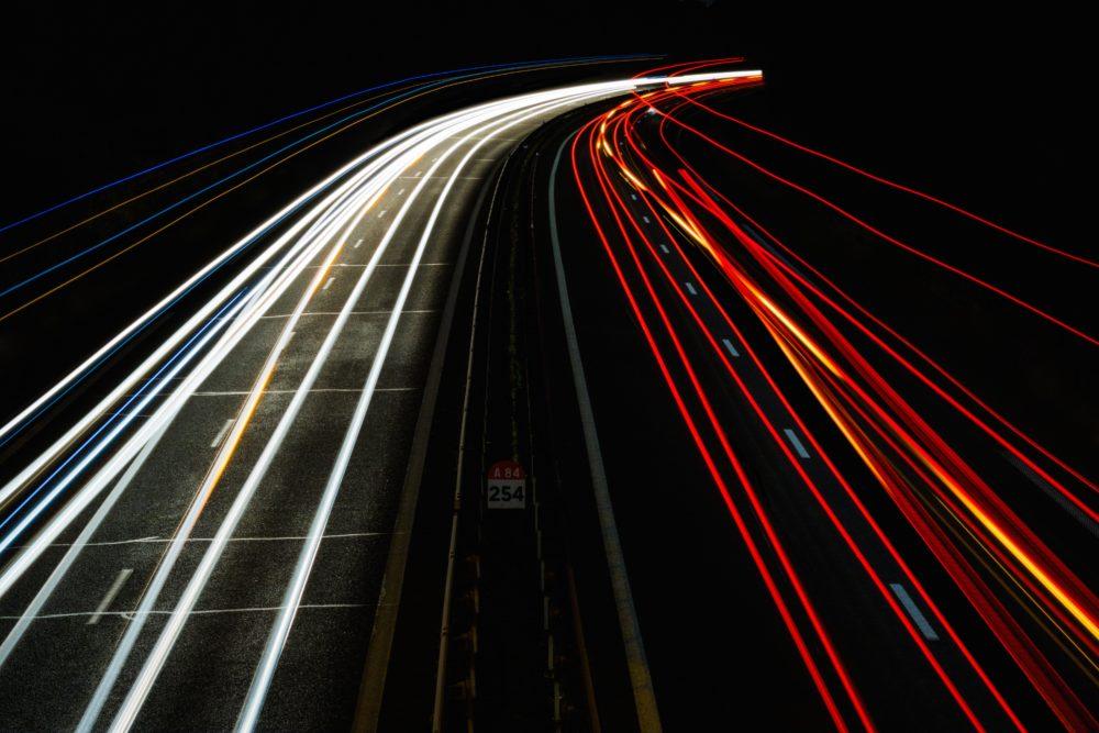 Haben Sie schon einmal überlegt, ein Elektroauto zu kaufen? - Foto: unsplash.com/IF/CCO