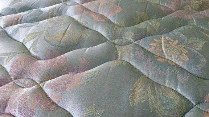 Wer anständig schlafen möchte braucht auch eine ordentliche Matratze. - Foto: pixabay.com/Ebowalker/CCO