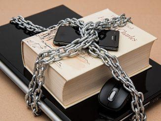 """Viele Menschen glauben, dass ein langes Passwort automatisch sicher wäre. Stimmt nicht. Ein Passwort wie """"123419275567890"""" oder """"allemeineentleinschwimmenaufdemsee"""" sind relativ leicht und ziemlich schnell zu knacken. Viel wichtiger ist es, dass man in dem Passwort alle möglichen Zeichen abwechselt. - Foto: pixabay.com/stevepb/CCO"""
