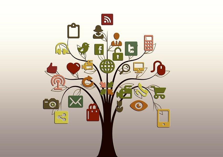 MOOC, wie die Medien die neuen digitalen Lernformate für den individuellen Gebrauch zu Hause schnell nannten, steht für Massive Open Online Course, meint also wörtlich ein für jeden verfügbares Format online. - Foto: pixabay.com/geralt/CCO