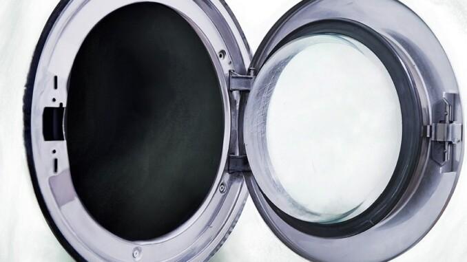 Weichspüler kann auch ekelhaft sein, wenn man wirklich die tatsächlichen Inhaltsstoffe kennt. So kommt unter anderem auch Rinderfett zum Einsatz. - Foto: pixabay.com/akiragiulia/CCO