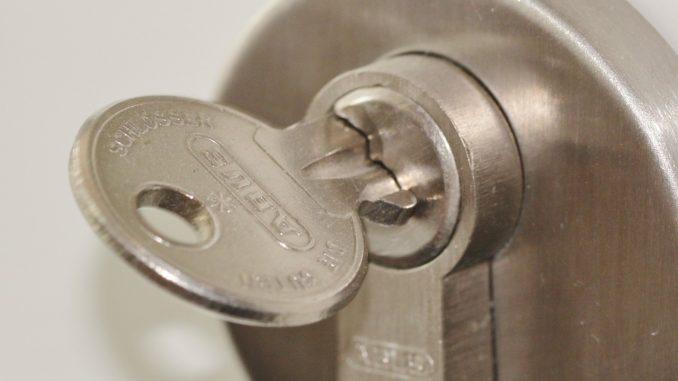 Ein professioneller Schlüsseldienst bietet seinen Kunden einen umfangreichen Katalog an Leistungen an. - Foto: pixabay.com/cocoparisienne/CCO