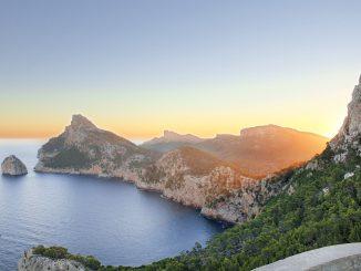 Mallorca ist eine der beliebtesten Urlaubsinseln der Europäer mit sehr interessantem historischen Hintergrund. - Bild: pixabay.com/www_balearentraum_de/CCO